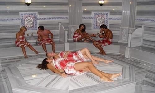En qué consisten los baños turcos o árabes