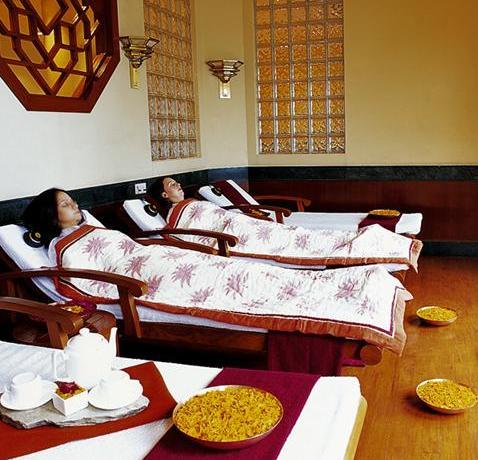 Tratamiento de Spa, la respuesta de India a la agitada vida de dolores I