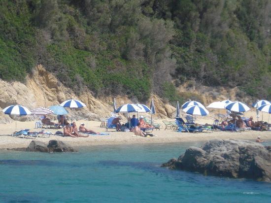 La Playa Nudista de Banana Pequeña en Grecia